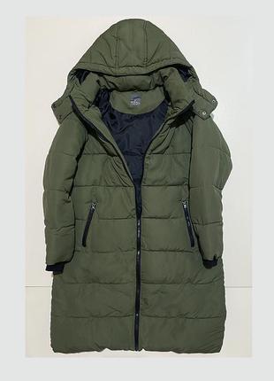Зимнее длинное зеленое пальто прямой фасон с капюшоном