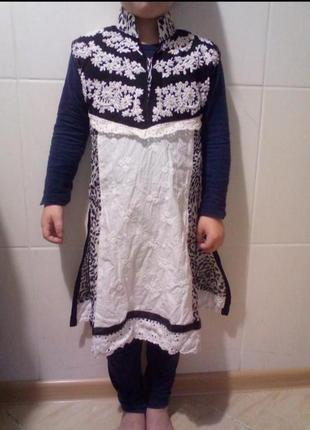Красивое платье, туника на 2-4 годика