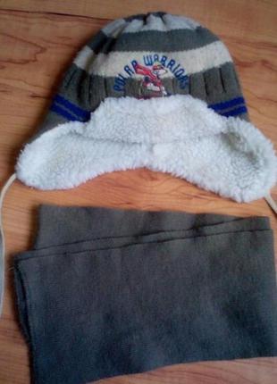 Теплый зимний комплект,шапка и шарф на 4-6 лет