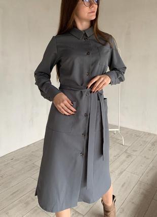 Платье-рубашка в самых базовых цветах: чёрный и серый