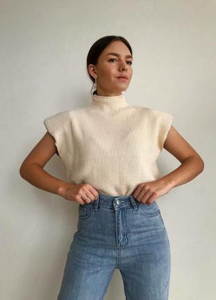 Трендовые свитера с подплечниками😍свитер