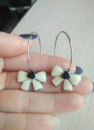 Распродажа! красивые стильные серьги сережки кольца с бантом и...