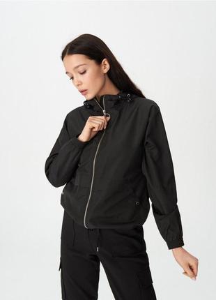 Продам новую женскую спортивную куртку ветровку плащ дождевик ...