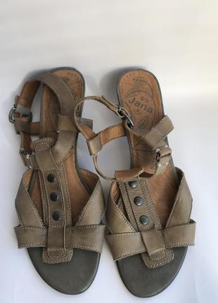 Удобные кожаные босоножки.размер 39.5 jana