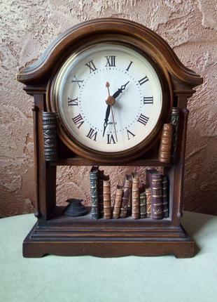 Настольные каминные часы в виде книжного шкафа
