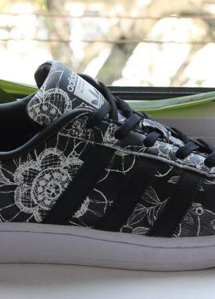 Кроссовки adidas superstar black white floral {39р.} оригинал!...