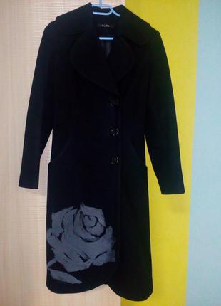 Пальто на стройную девушку до 170см, размер хс-с.
