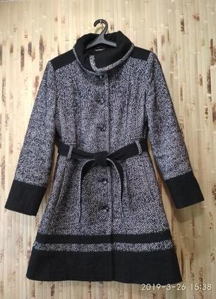 Пальто женское твидовое серое с черным от бренда she