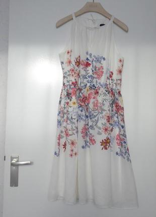 """Платье белое с цветочным принтом """"Dresses Yessica С&А """" Нидерланд"""