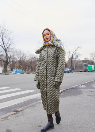 Зимнее стеганое пальто с косынкой и рукавичками