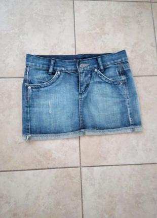 Стильная джинсовая юбка италия