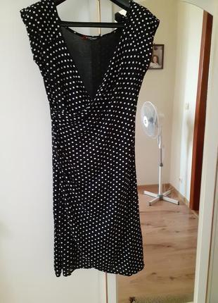 Трендовое платье в горох франция