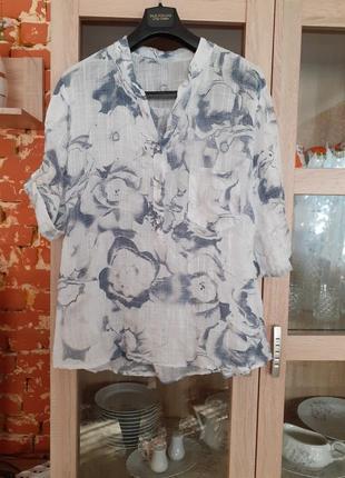 Нежная в цветы котоновая рубашка большого размера