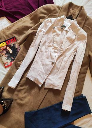 Пиджак жакет белый стрейчевый с пуговицами приталенный