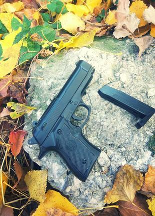Суперціна! Металевий Пістолет Beretta (страйкбольний)