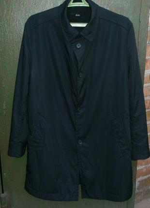 Продам куртку плащ  hugo boss оригинал