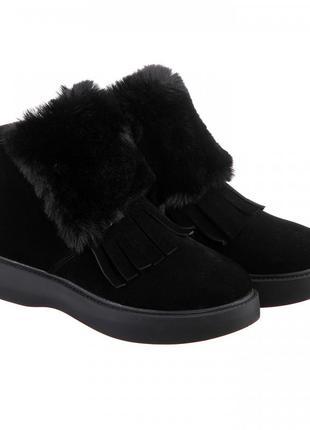 Замшевые женские зимние черные низкие ботинки с опушкой и бахр...