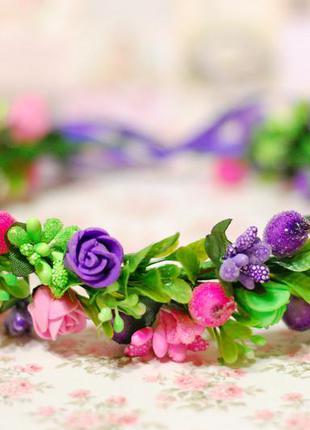 Венок веночек на голову с цветами и зеленью