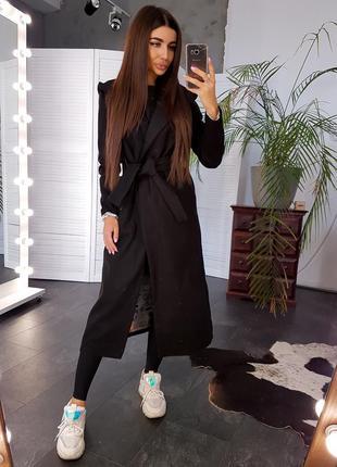 Черное кашемировое пальто с поясом и капюшоном