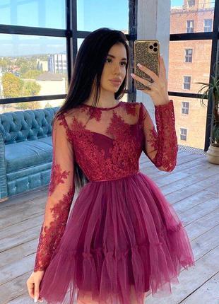 Пышное короткое нарядное платье с фатиновой юбкой и кружевным ...