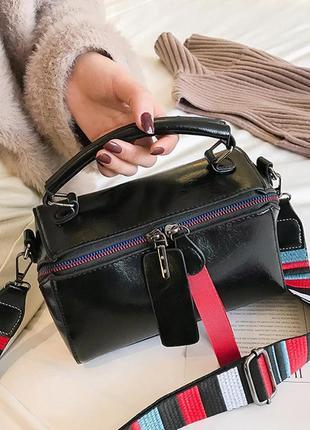 Сумка женская с модным широким текстильным ремешком черная