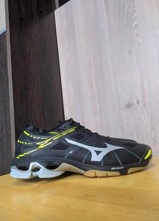 Кроссовки mizuno wave lightning