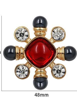 Красные кристаллические броши с центральным крестом