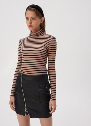 Новая полосатая песочная бежевая кофта блузка гольф черные пол...