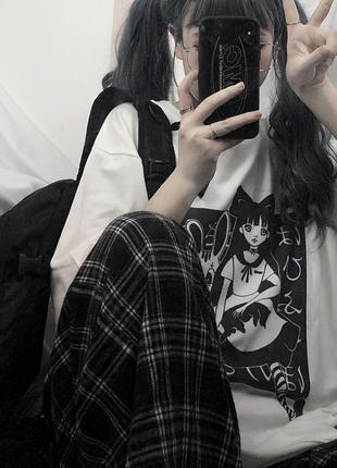 Женская футболка в стиле панк