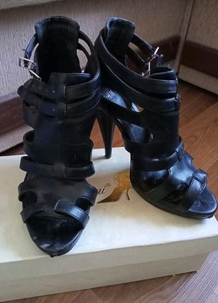 Лот обуви 39 рр