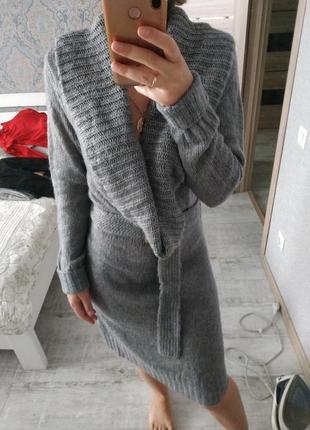 Теплое зимнее платье миди длины