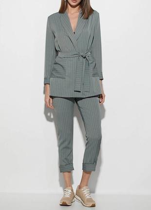 Костюм в полоску пиджак брюки полосатый