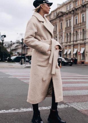 Шерстяное кашемировое длинное пальто букле на холлофайбере