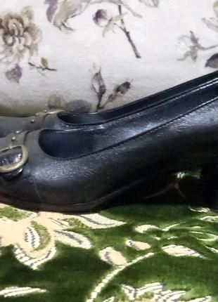 Туфли женские р.39-40