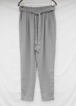 Модные серые летние брюки с завышенной талией
