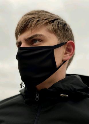 Защитная маска без принта чёрная