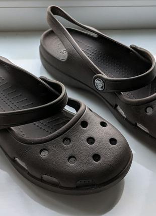 Crocs женские босоножки розмер W7 23,5см
