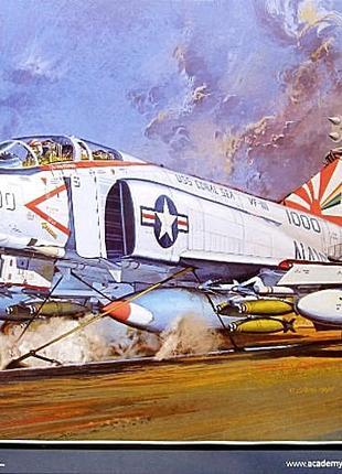 сборная модель самолёта F-4b Phantom.