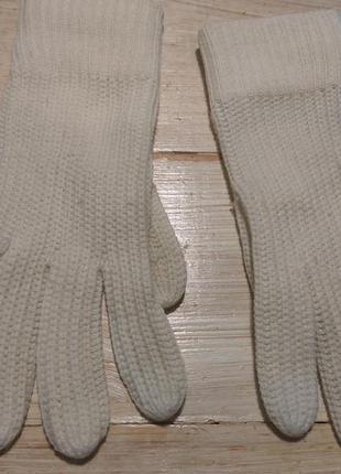 Легкие вязаные перчатки