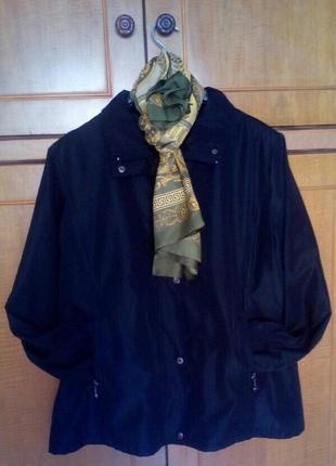 Демисезонная курточка, ветровка