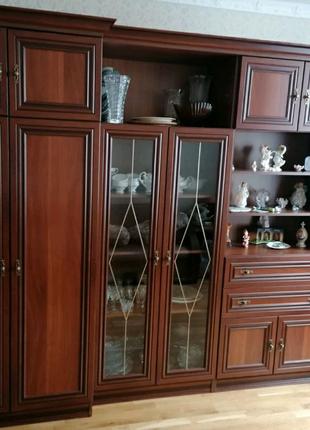 Мебельная стенка для комнаты