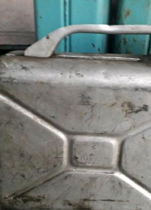 Продам емкости канистры по шаровой цене 20л 150грн,12л 100грн