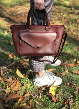 Женская стильная бордовая сумка, большая, вместительная, черна...