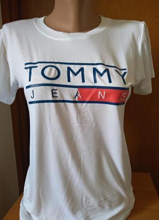 Футболка принт  tommy