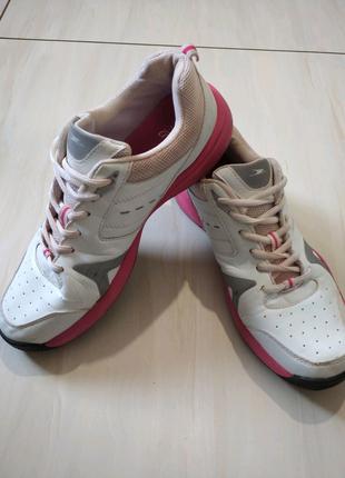 Кросівки 40-40,5 розмір