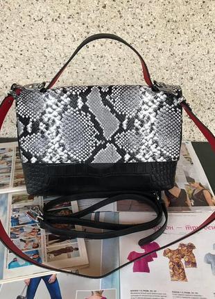 Женская кожаная сумка черная под крокодила жіноча шкіряна чорна