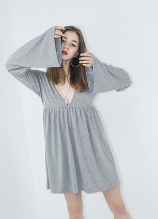 Boohoo серое свободное платье мини с рукавами клеш и вырезом, ...