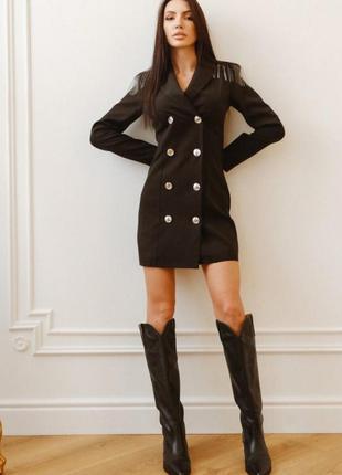 Платье-пиджак с пуговицами