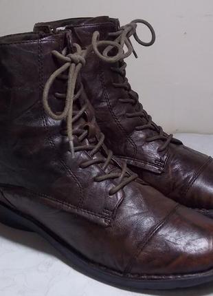 """Кожаные деми ботиночки """"clarks"""" 39р нюанс на фото!"""