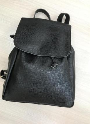 Черный рюкзак городской повседневный